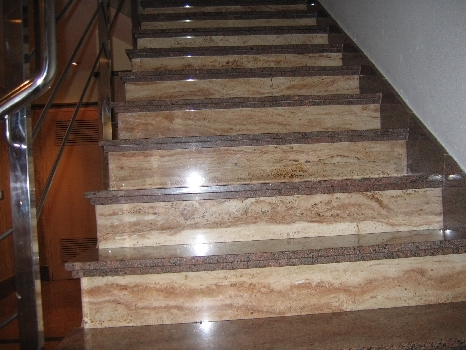 Marmoles italica s l escaleras for Colores de granito para escaleras